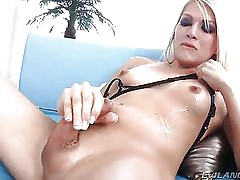 blonde shemale Gianna Rivera gets her jizz licked