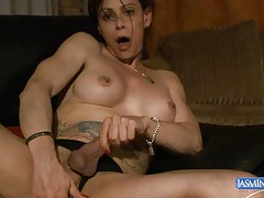 Tempting Jasmine fingering and masturbating