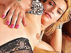 Beautiful blonde tranny Gabrielle Albuquerque