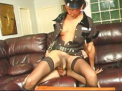 Hottie Asian tranny gets job done